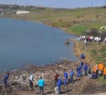 Voluntariat pentru ape curate