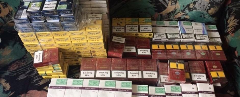 5.400 de țigarete nemarcate legal, confiscate de polițiștii din Aleșd de la un localnic