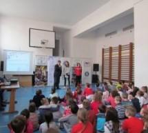 """Proiectul """"Campionii României în școală, liceu și universitate"""" se derulează și în Oradea"""