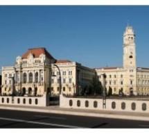 Se închide intrarea principală a Primăriei Oradea