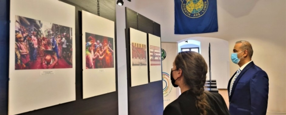 Muzeul din Cetate găzduiește o expoziție de artă fotografică din India