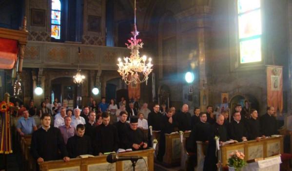 """După 65 de ani – Biserica """"Sfântul Gheorghe"""" a fost retrocedată"""