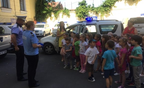 Elevi în vizită la Poliția Locală Oradea