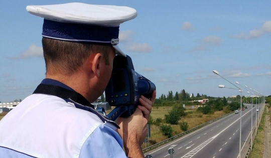 Bihorean depistat de radar conducând cu 168 km/h