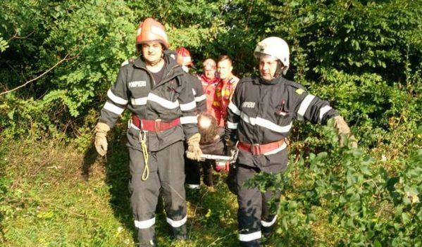 Bărbat salvat de pompieri pe raza localității Burzuc